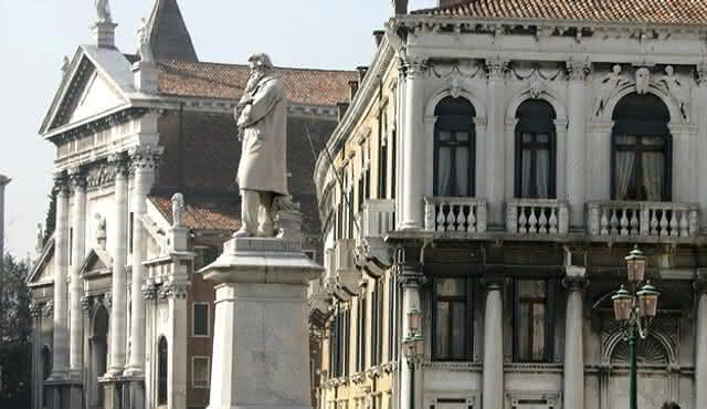 Interpreti Veneziani: Violins in Venice